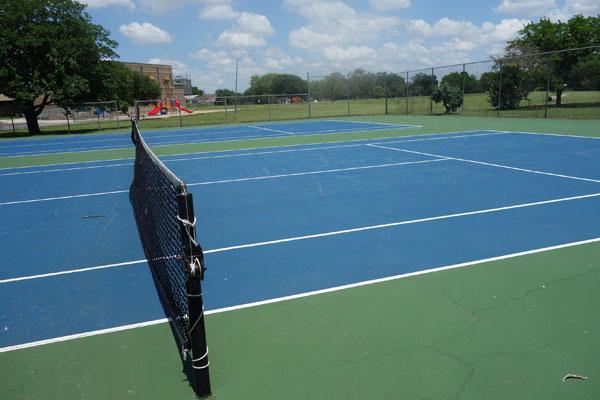 Tennis Dobbs Tennis Courts Inc
